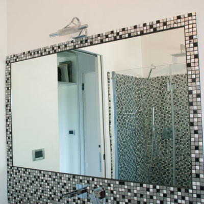 bathroom remodeling in Bologna: mosaic tiles