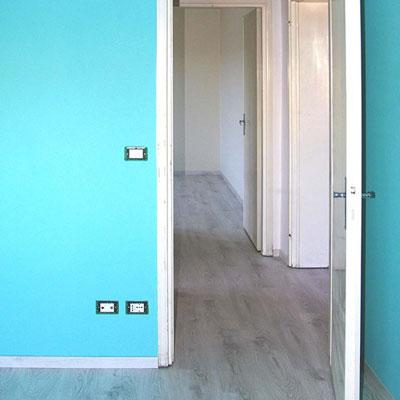 dettaglio ristrutturazione: tinteggiatura pareti